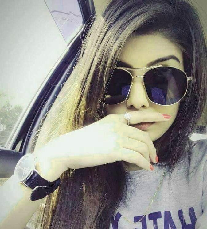 Stylish Girl Attitude hd Pics