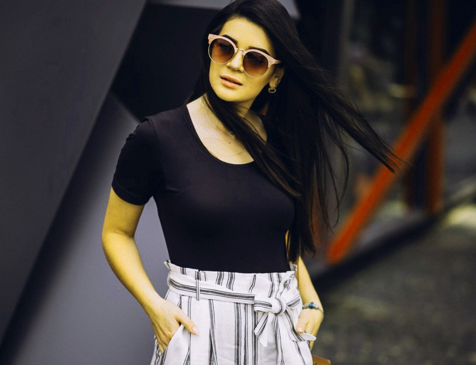 Stylish Girl Attitude HD Pictures