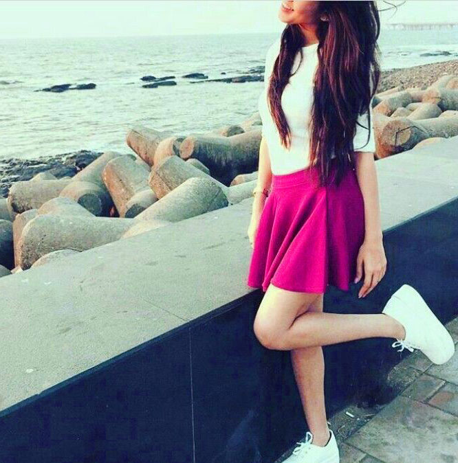 Stylish Girl Whatsapp DP Images Wallpaper Pic Download