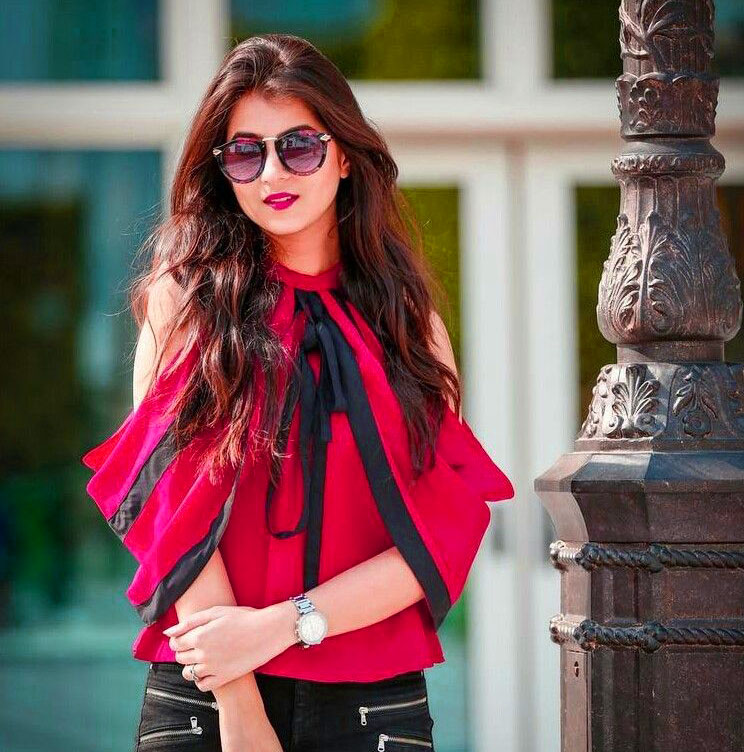 Very Stylish Girl Whatsapp DP Images Pics HD Download