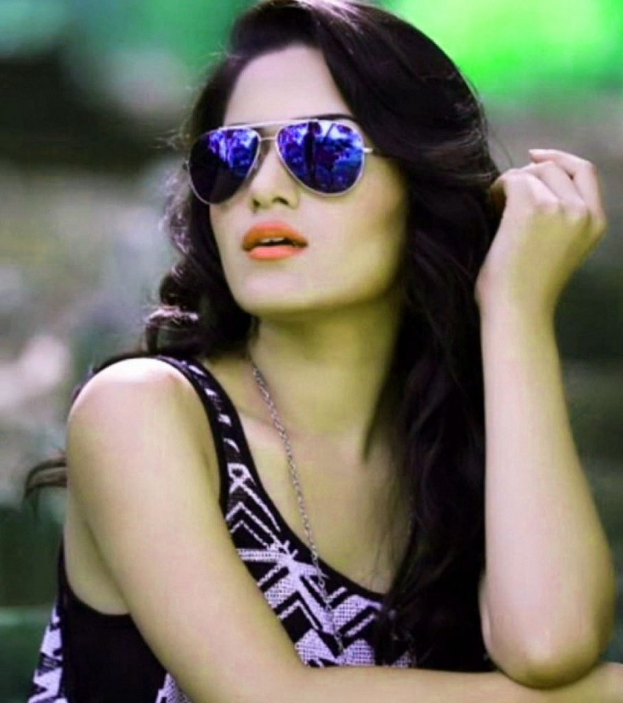 Stylish Girl Images Pictures for Whatsapp