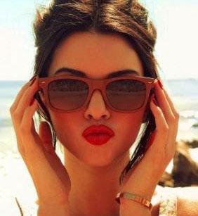 Very Stylish Girl Whatsapp DP Images Wallpaper Pics Download