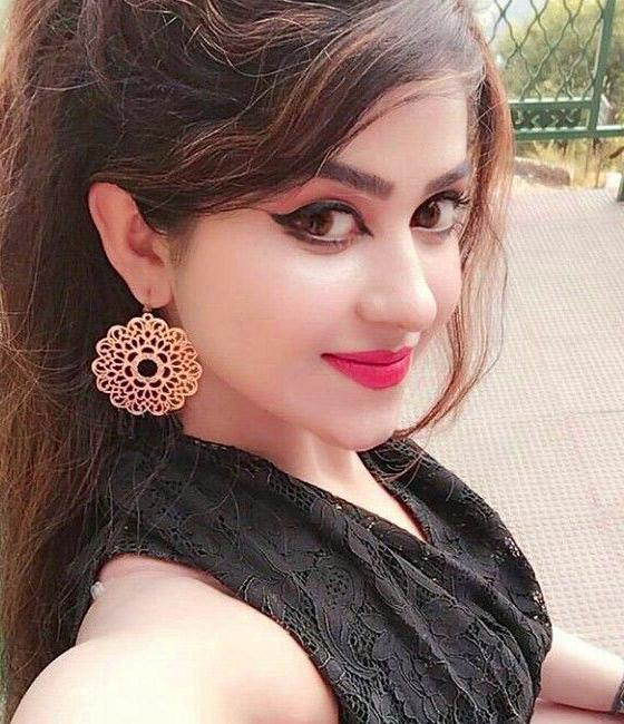 Stylish Girls Images For Whatsapp Dp
