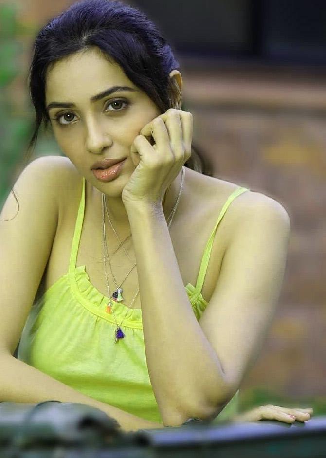 Beautiful Girls Whatsapp DP / Profile Images Wallpaper Download