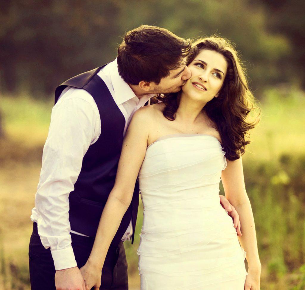 Romantic Love Couple Whatsapp DP Pics Wallpaper Download