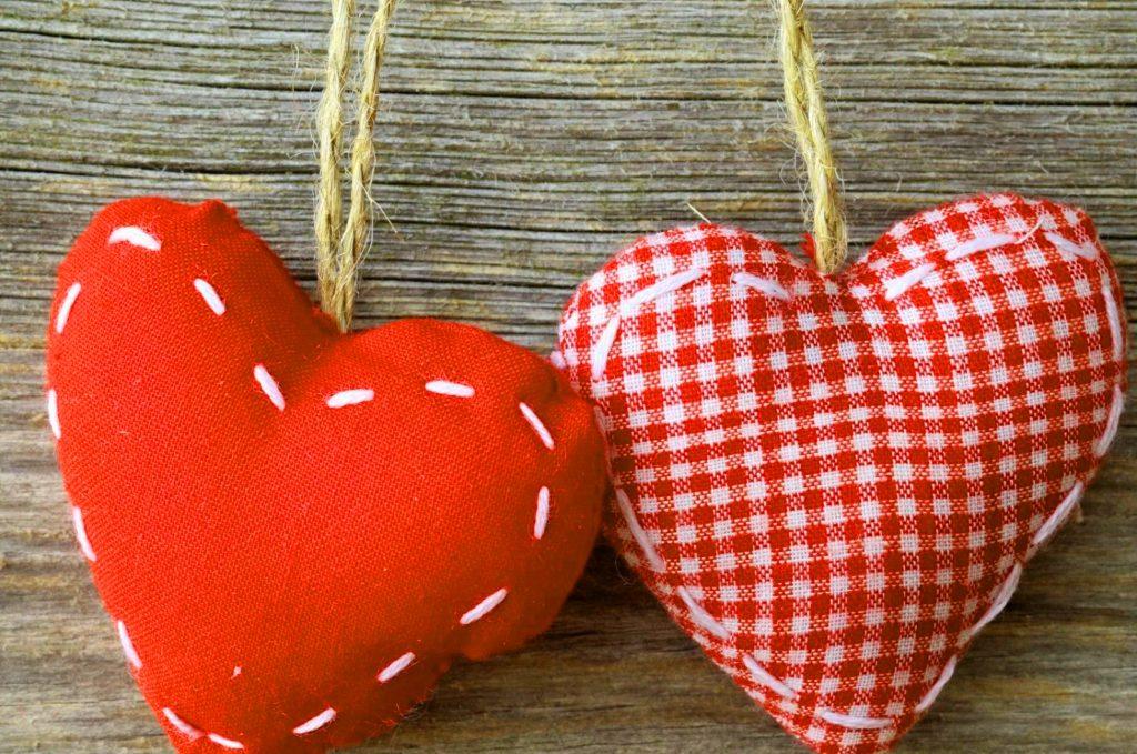 Romantic Love Couple Whatsapp DP Wallpaper Photo