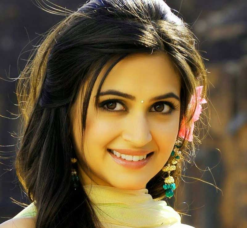 Cute Baby Girl Whatsapp Dp pictures hd