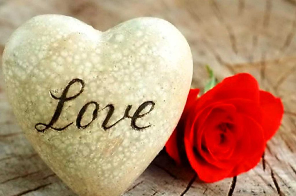 Sweet Romantic Love Whatsapp DP Profile Pics Download