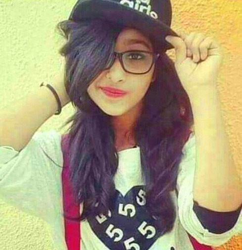 Stylish Girl Whatsapp DP images wallpaper pictures free download