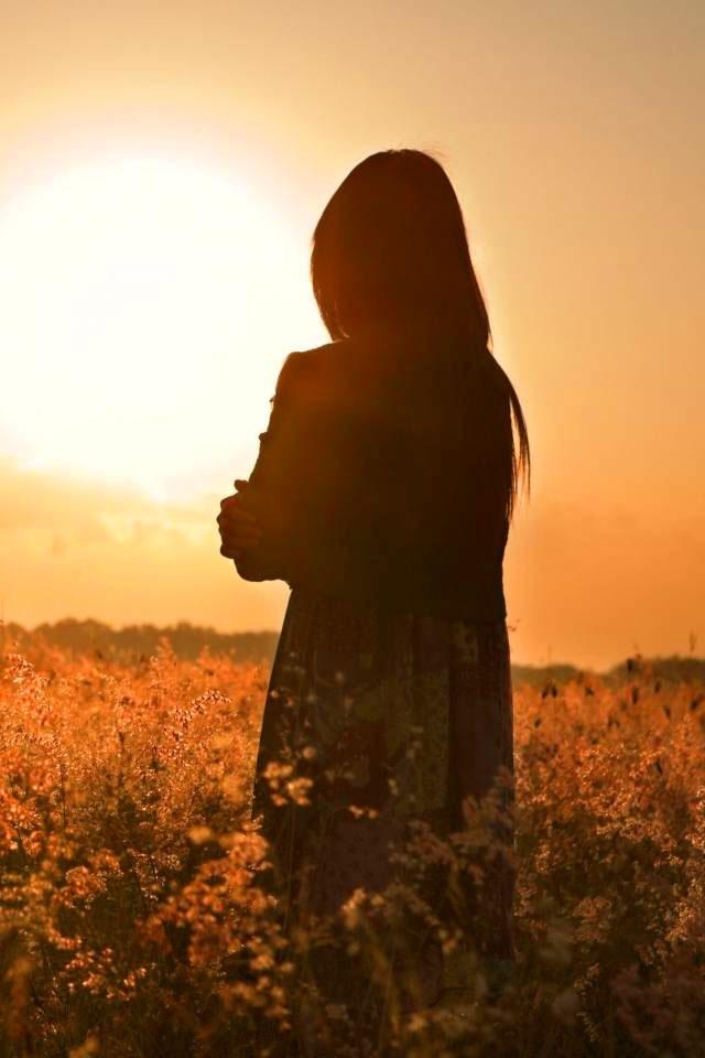 Alone Girl Dp For Whatsapp Profile Wallpaper