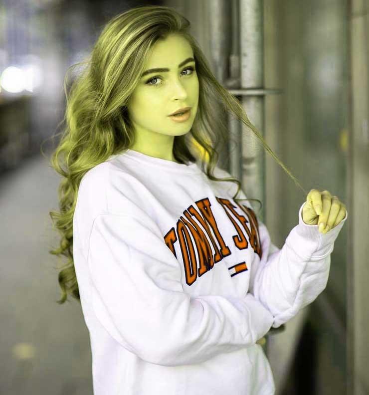 Actress Stylish Girls Whatsapp Dp Pics Download
