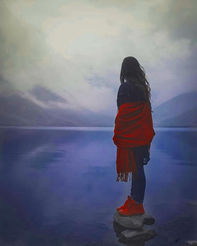 Free Alone Sad Girls Whatsapp DP Wallpaper New