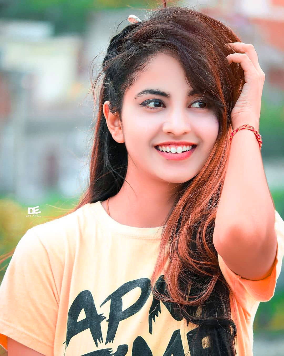 New Top Quality Cute Girl Images For Whatsapp Dp Wallpaper Download