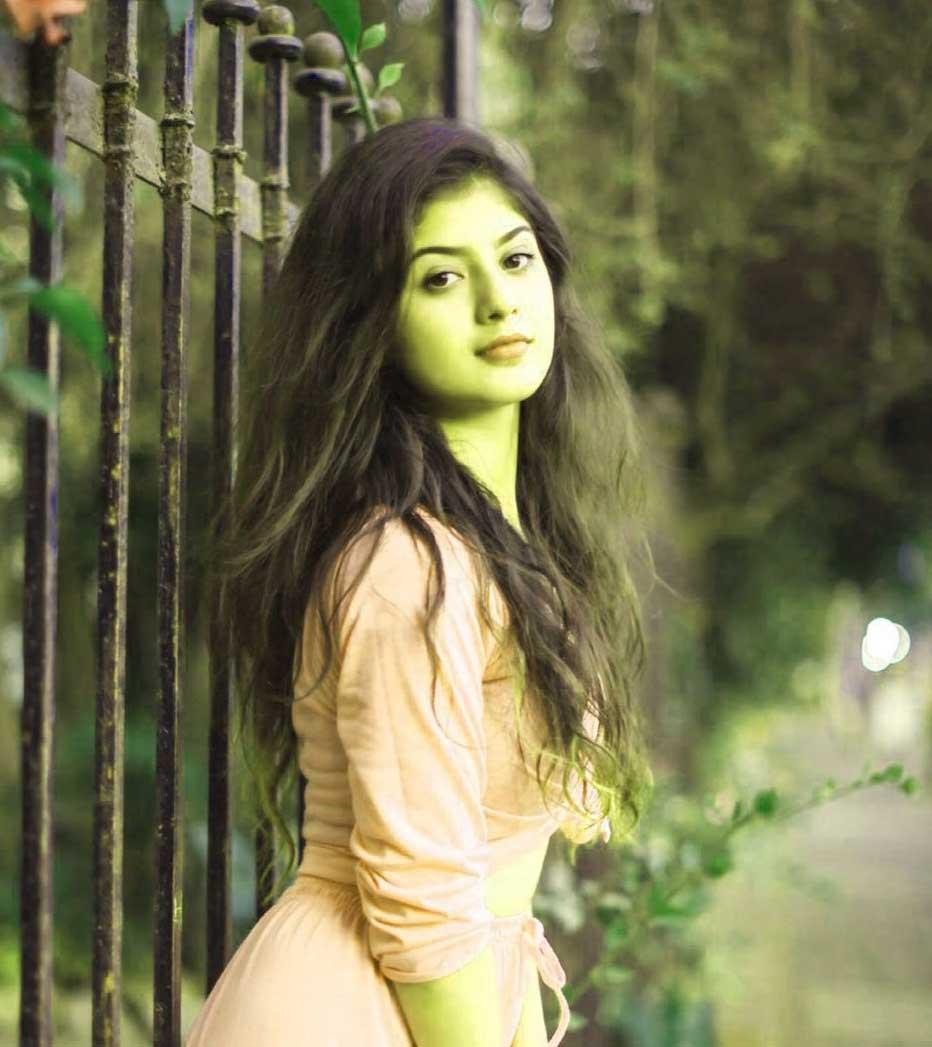 Sweet Cute Free Beautiful Stylish Girls Whatsapp Dp p Pics Download