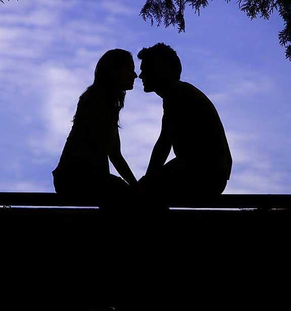 Very Romantic Couple Whatsapp Dp Pics Download