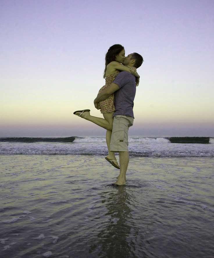 Very Romantic Love Couple Whatsapp Dp Pics Download