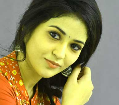Best Quality very cute beautiful girl images Wallpaper