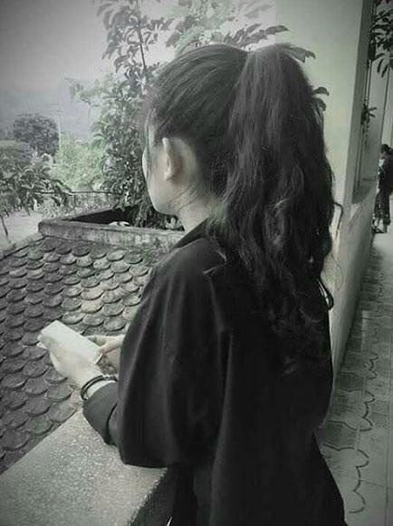 Black Whatsapp DP Photo With Girls