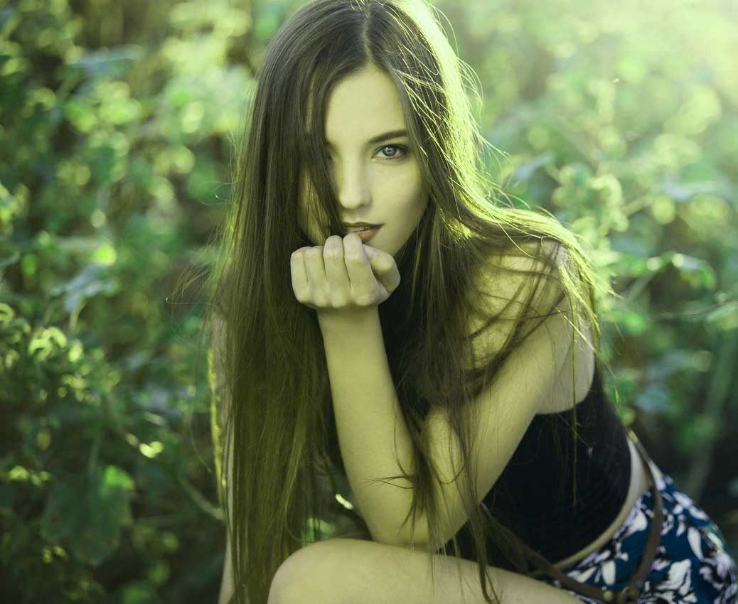 Desrt Very Beautiful Girl Images Wallpaper Download