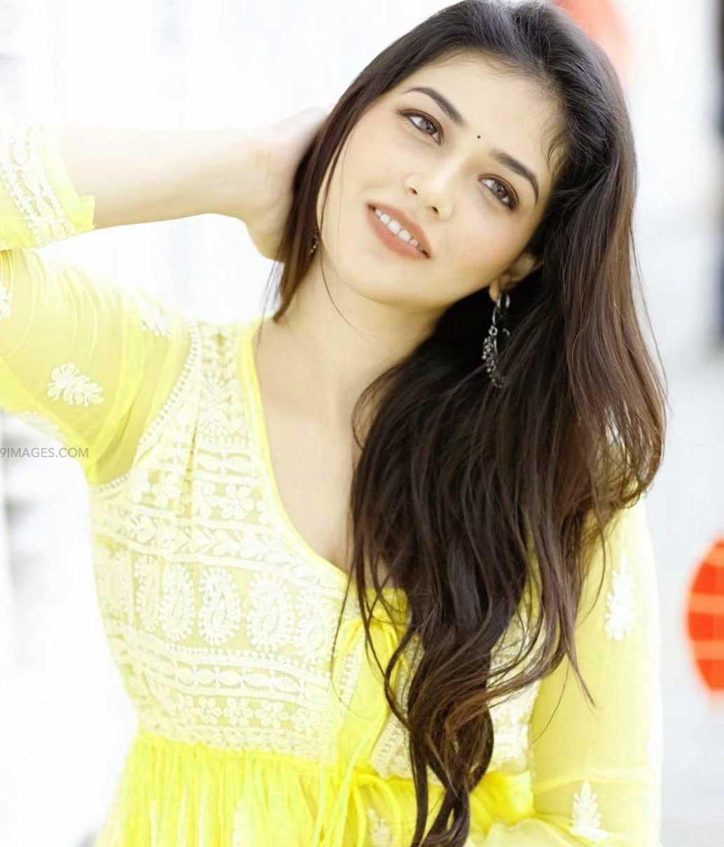 Free indian beautiful girl images Wallpaper