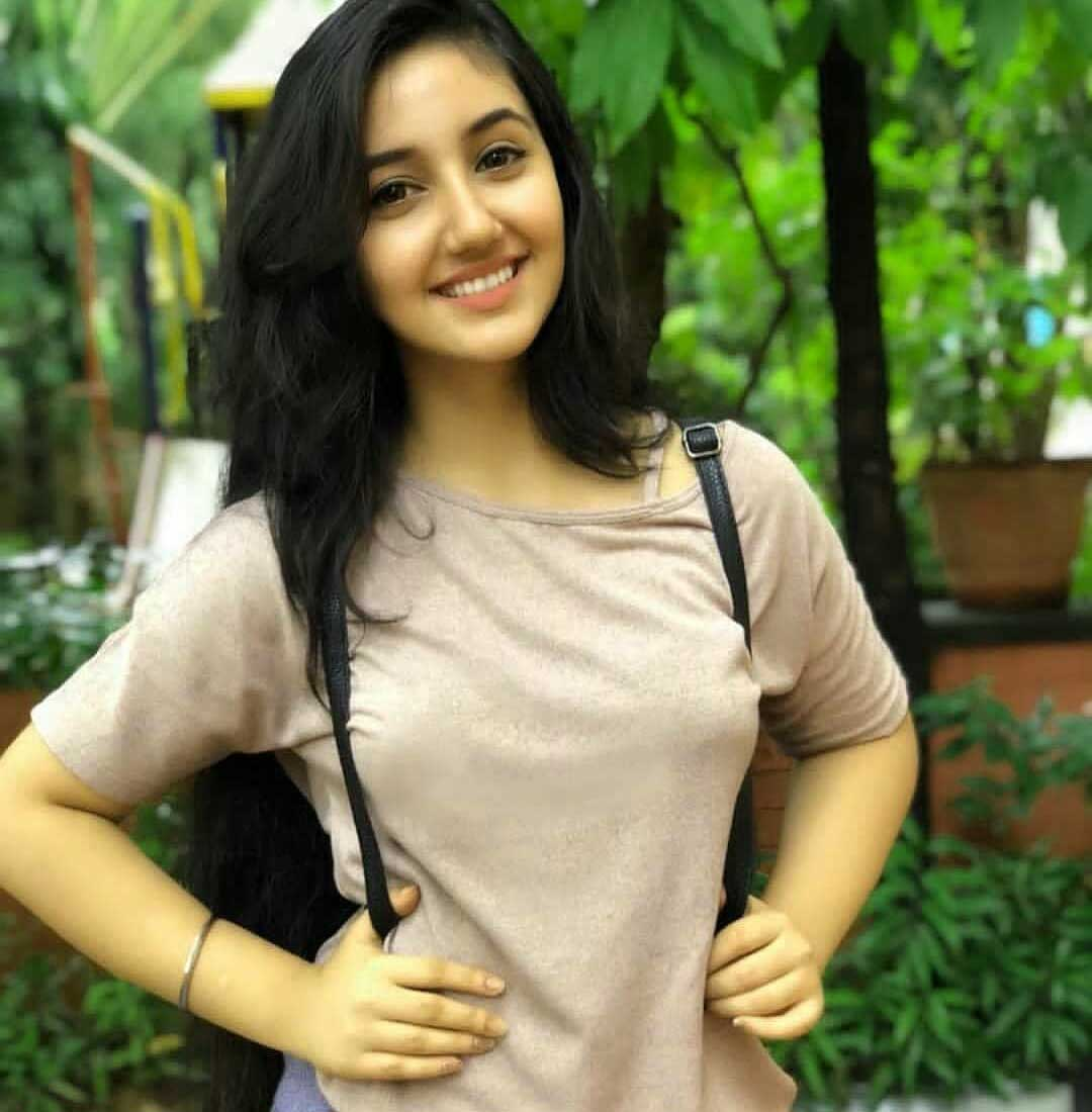 Very Beautiful Girl Images Photo for Facebook
