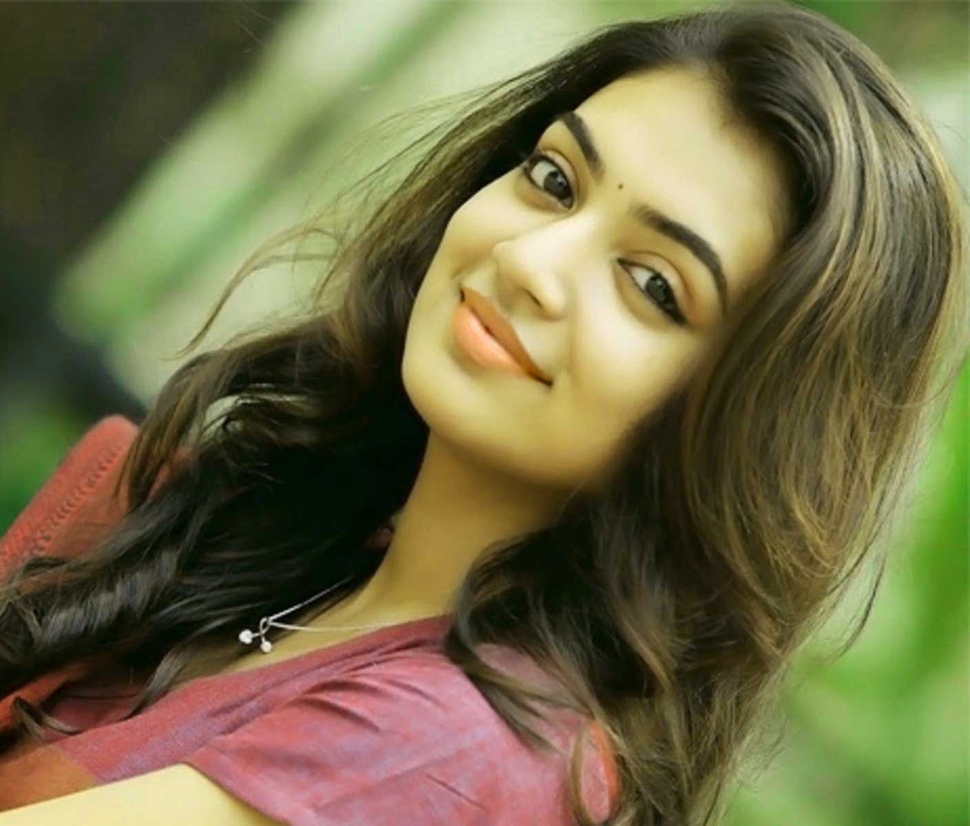 Very Beautiful Girl Images Wallpaper for Whatsapp