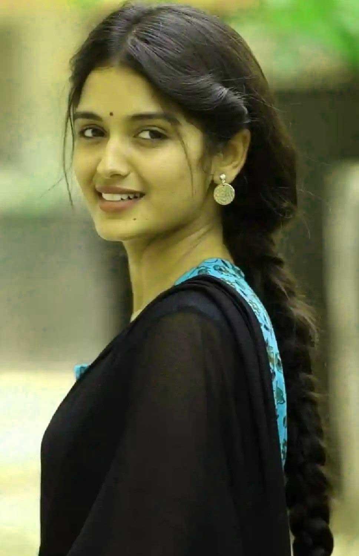 very cute beautiful girl images Wallpaper